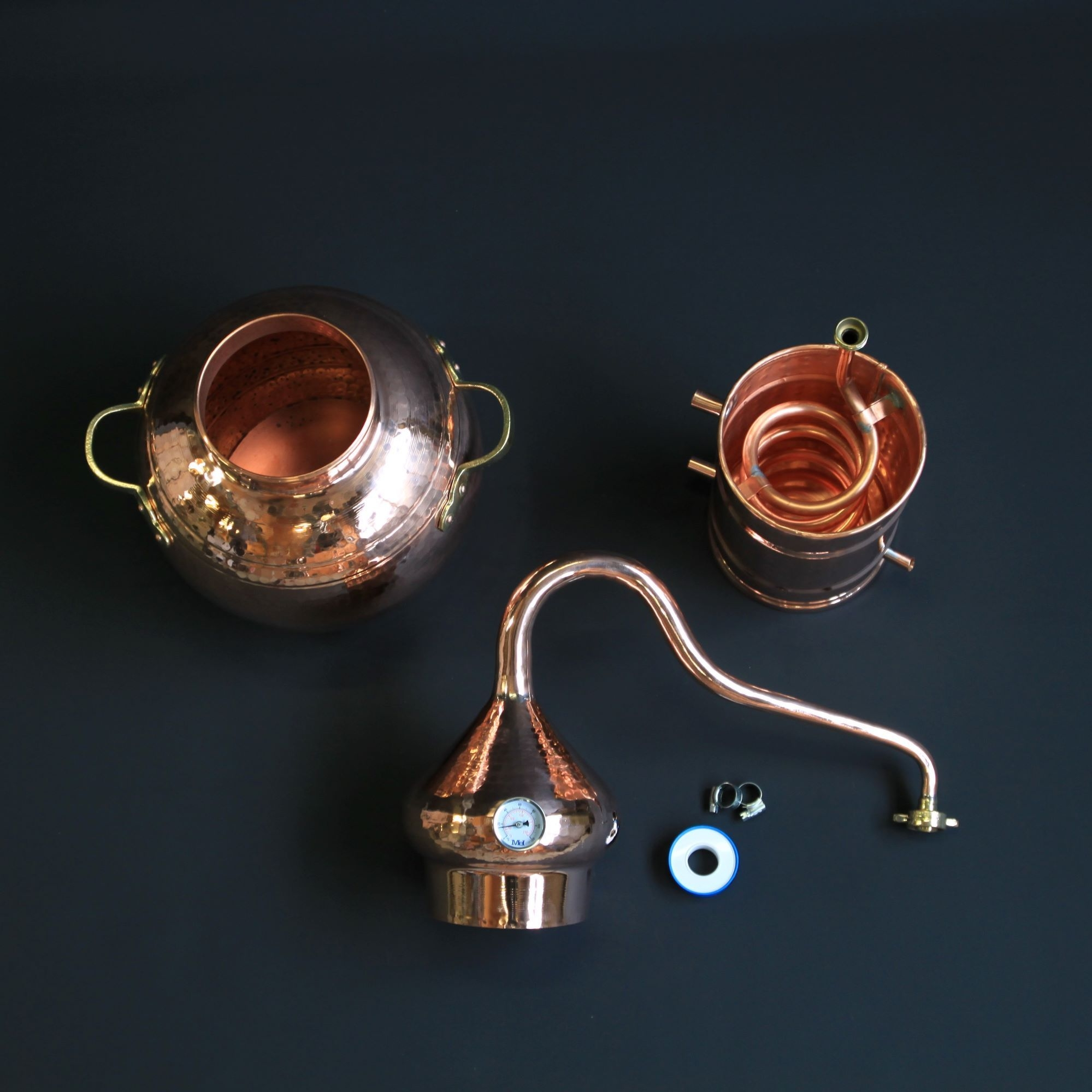 L'alambic traditionnel en cuivre type A   Alambic Distiller