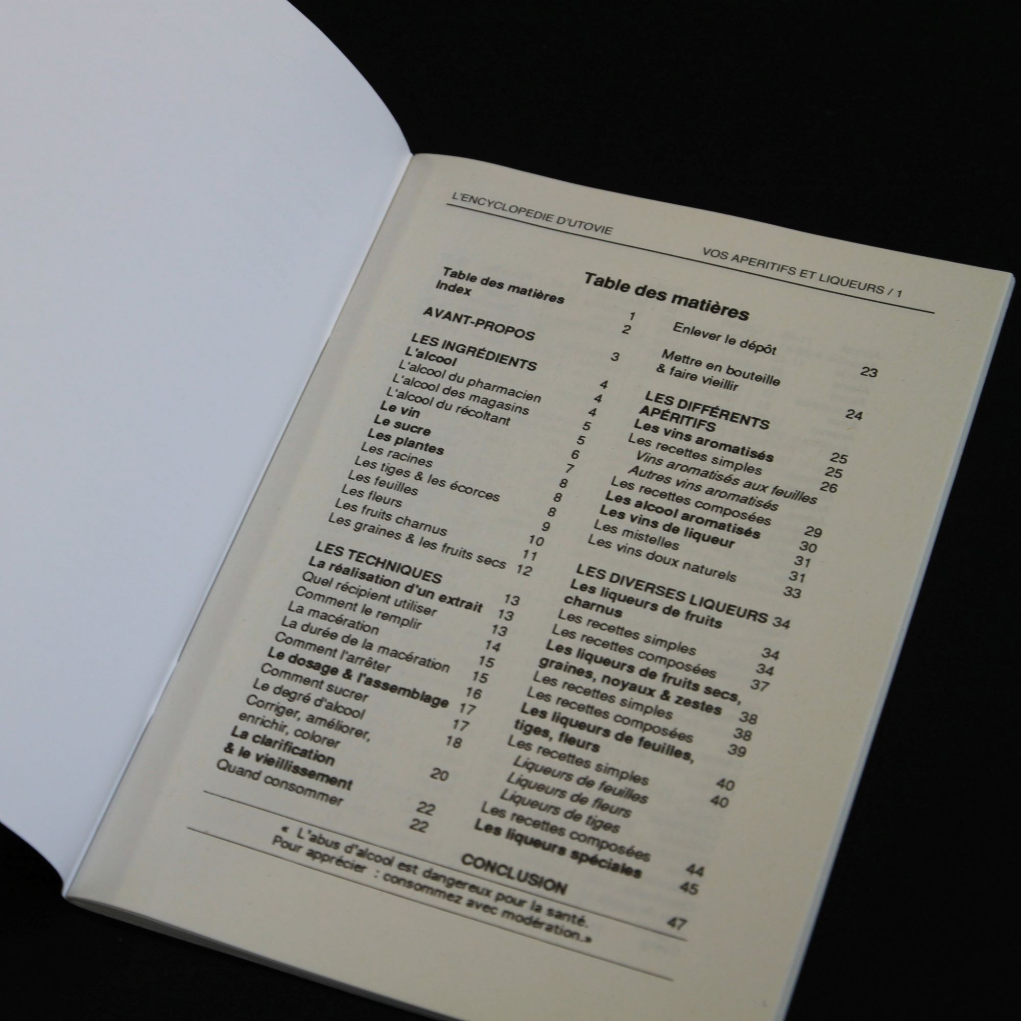 un livre sur la distillation des alcools | Alambic distillers